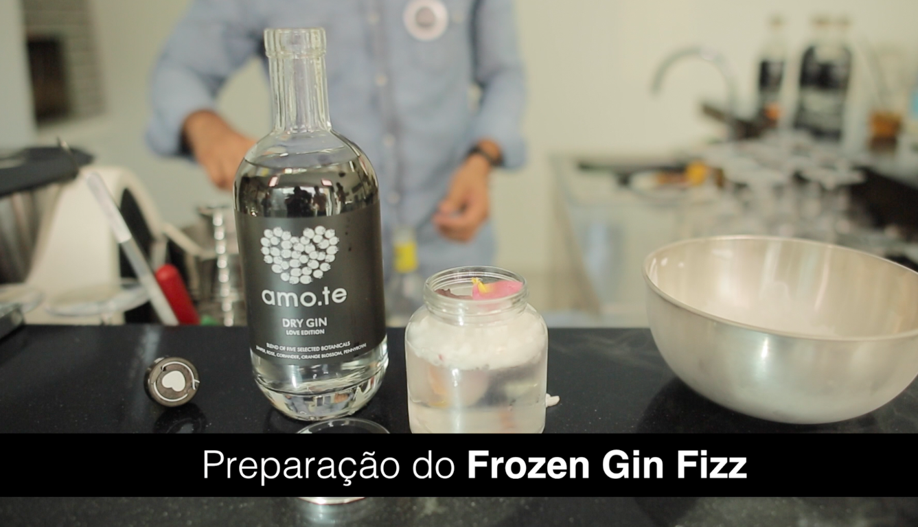 ... Dry Gin_Vídeo Perfect Serve_Cocktail amo.te Frozen Gin Fizz | Amote